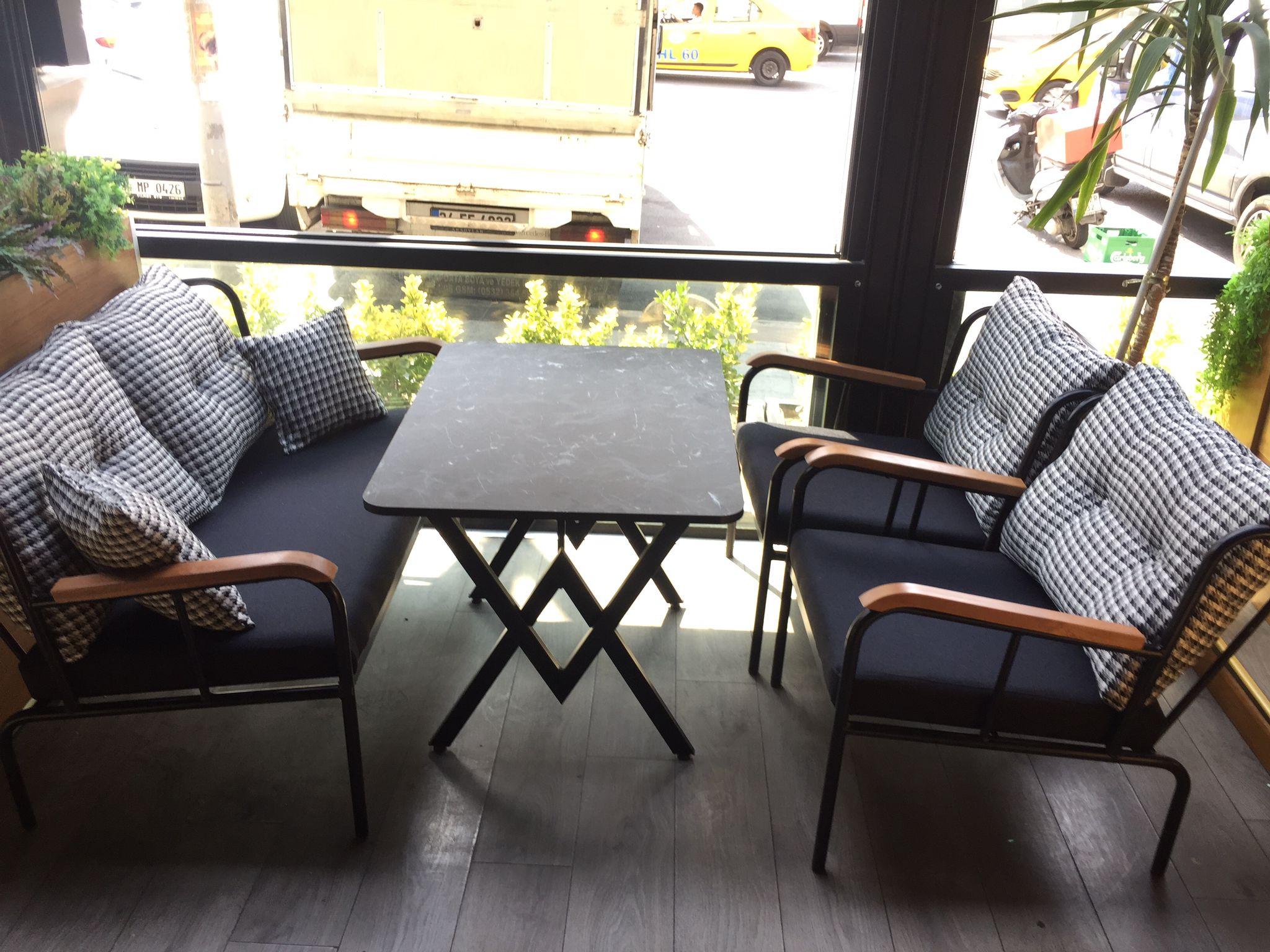Zengin model çeşitleri, yüksek kalite, müşteri odaklı hizmet anlayışı, üretici firma güvencesi ve uygun fiyat garantisiyle... Nuh design her mekana, konsepte ve zevke cevap verebilen tasarımlarıyla Restaurant masa sedir koltuk takımlarıyla hizmetinizde.